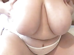 Plumper with gigantic knockers