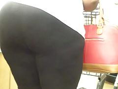 Older Black Gal Obese Culo..