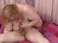 Chesty  gf gives head and..