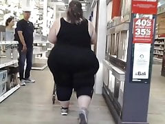 Meaty SSBBW shopping in..