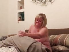 wifey exposes all of her bod