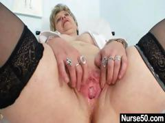 Huge-titted granny in..